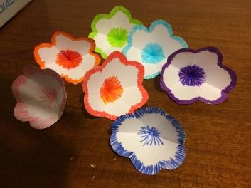 Creare 7 fiori ripetendo i passaggi