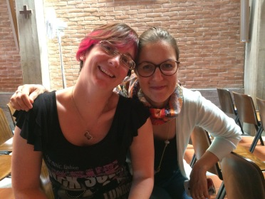 La maestra Clauda e Katia
